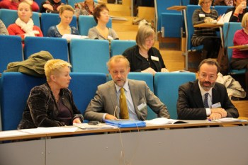 Anne Lise Ryel from the Norwegian Cancer Society, Stein Kaasa, head of the European Palliative Care Research Centre, and Augusto Caraceni (left to right), vice chair of the new centre.