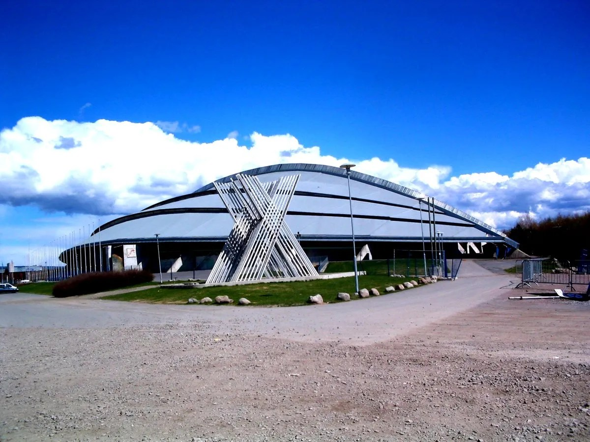 Photo: Torstein Frogner/Wikimedia The Vikingskipet was built for Olympic speedskating but now hosts a wide array of events.