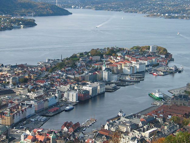Photo: Jan's fotoside / Wikimedia Commons The view of Bergen's Vågen bay from Mt Fløyen, one of the seven hills visited.