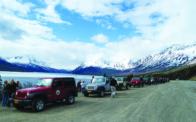 Photo: Darin Lietz 4x4s on the Klondike Highway, caravanning from Skagway to the Yukon through the Coastal Mountains. Excursions like this are a great opportunity to see more of the terrain.