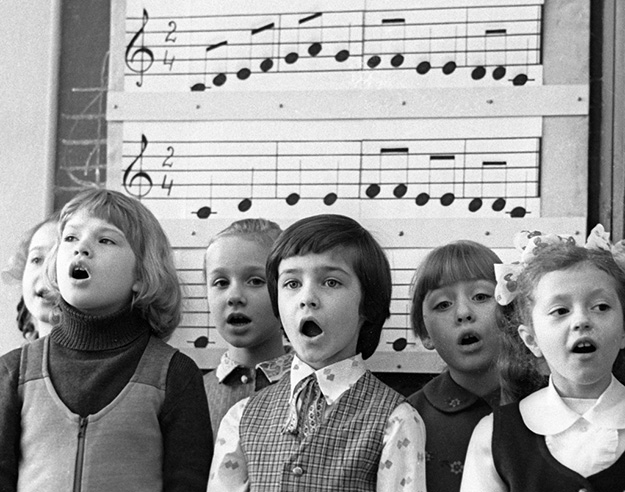 Photo: Wikimedia Commons The pupils of the Riga Emil Darzin Specialized Secondary School of Music.