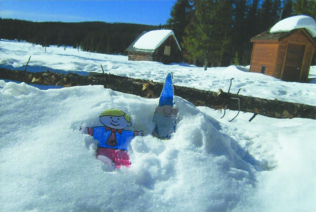 Photo: Edna Gundersen Blanchfield Nils Anders and Stanley play in the snow.