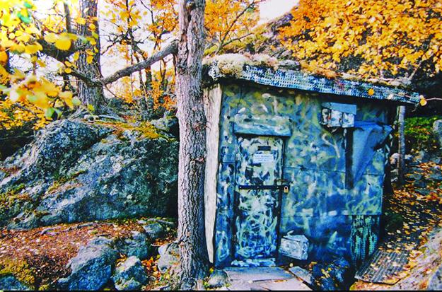 Photo: Hans Vorkinslien & Reidar Lonbakken /  www.otta2000.com Reiret (the nest), a Milorg hideout used during WWII.