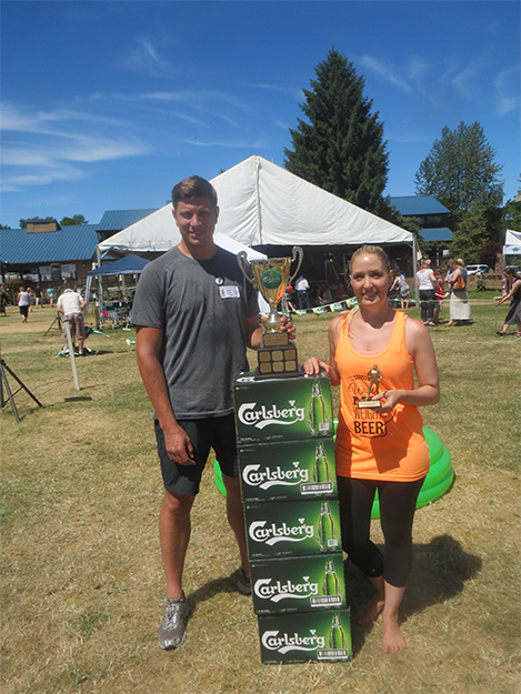 Photo: Scott Larsen The winning team, Alysia Baldwin and Kent Hodgson of Thighs to the Sky.