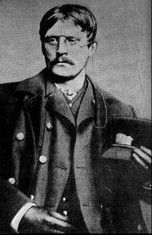 Photo: Public domain Hamsun in public transit conductor uniform, Chicago, 1884.