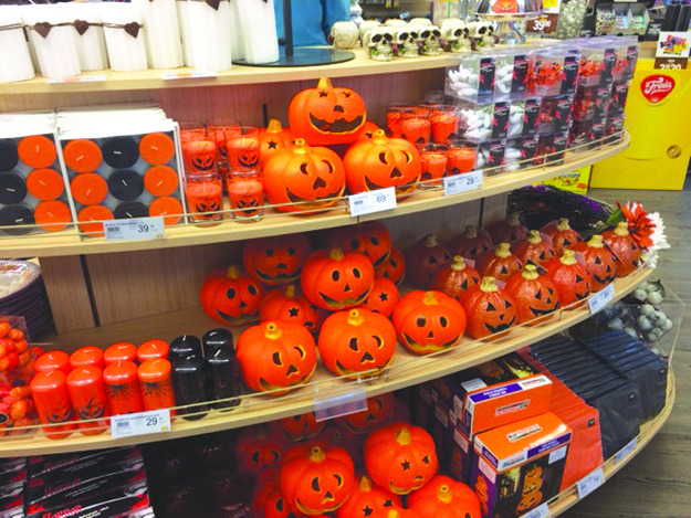 Photo: Heidi Håvan Grosch From Nille, a dollar store type of chain in Norway, a display of Halloween decorations. At the local Europris store (Kmart-type store on a smaller scale) in Levanger, Halloween items (not at all Norwegian) and Christmas in October (also not traditionally Norwegian ... Christmas things should come out in December!) were spotted together in early October. What is the country coming to?