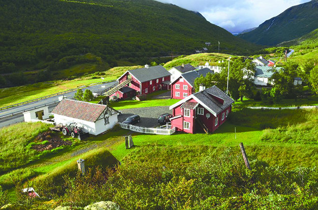 Photo: Ulvtro / Wikimedia Commons Kongsvold Fjeldstue (Hjerkinn) has been operating as a family business for 12 generations.