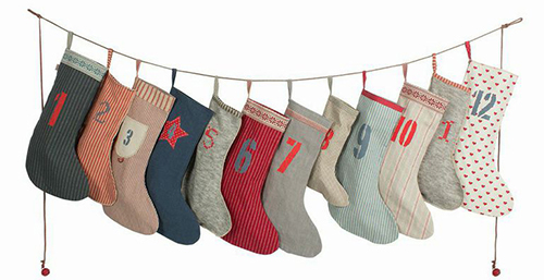 calendar-garland-socks-13