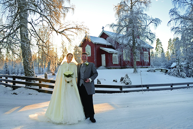 Photo: Kjersti Veel Krauss Berit and Henrik were married at Mangen kapell on New Year's Eve.