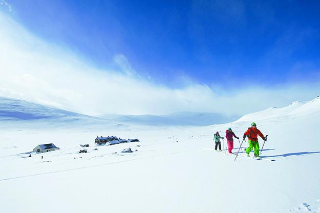 Photo courtesy of Johan Wildhagen /  Palookaville The start of the climb up from Glitterheim Lodge.