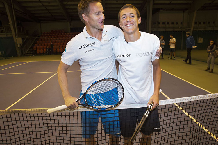 Photo: Frode Hansen / VG Casper Ruud with father Christian Ruud in Oslo in January of last year. He is following in the legend's footsteps and shaping up to be a star of the tennis world himself.