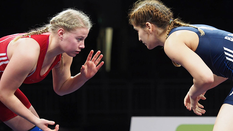 Photo: Ove Gundersen / Aftenposten Signe Marie Store (left) will be the first female wrestler to represent Norway in the Olympics this summer in Rio.