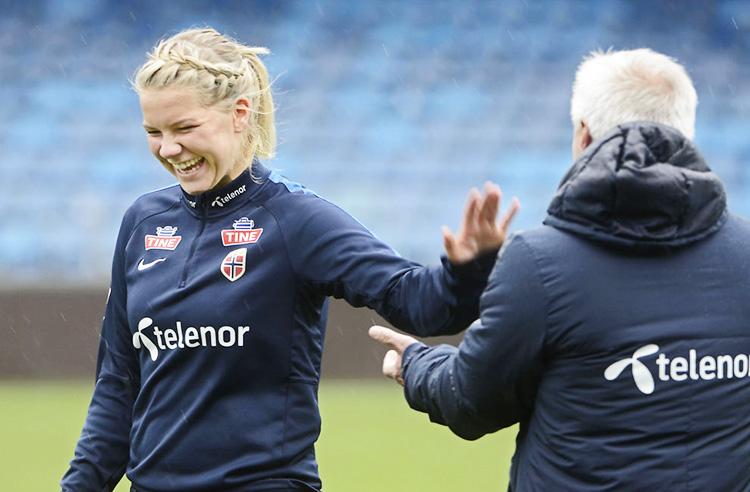 Photo: Jostein Magnussen / VG Ada Hegerberg shown with coach Even Pellerud in 2015.