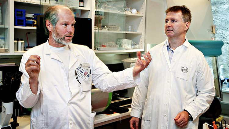 Photo: Jon Hauge / Aftenposten Øyvind Bruland (left), is Chief Medical Officer of the company Roy Hartvig Larsen (right) founded. Here they're seen working together as professor and student in 2011.