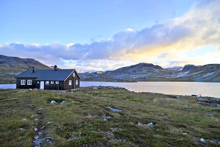 Photo: David Wilkinson / Flickr A hiking cabin on the Hardanger plateau.