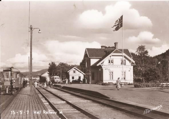 postcard of the Hell railway station