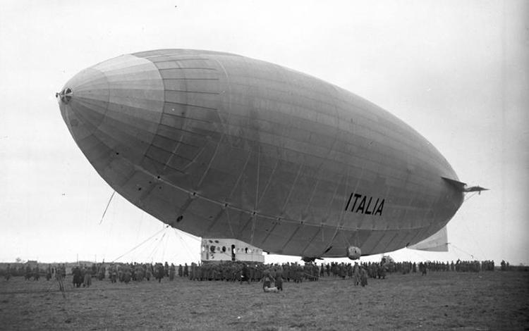 The airship Italia.