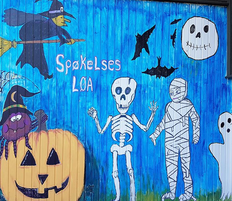 A Halloween mural.