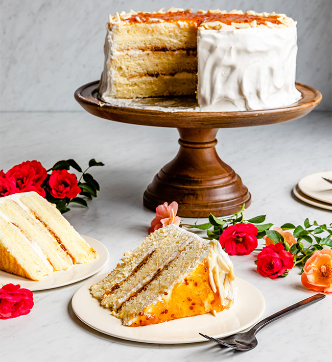 Cream cake with cloudberries