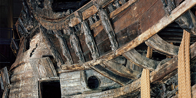 the interior of an old wooden ship
