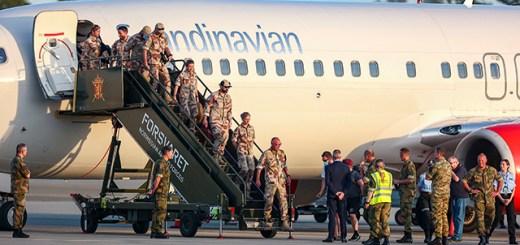 Norwegian soldiers deplaning