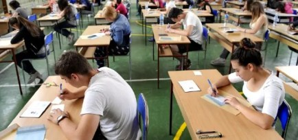college-students-studying-in-classroom