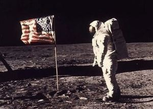 astronaute américain sur la lune