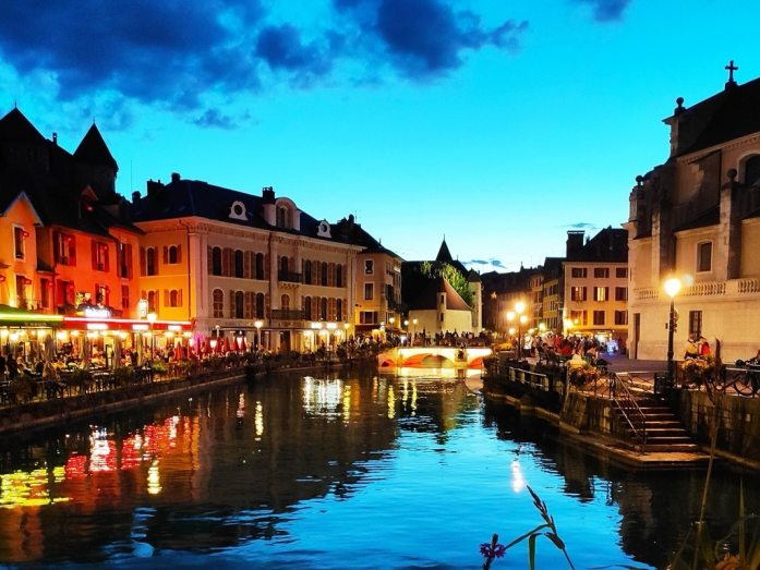 Vieil Annecy by night