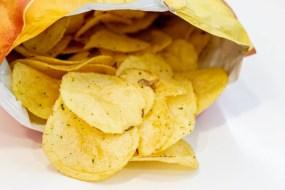 8 Alimentos que no debes picar entre horas | Los snaks que más engordan