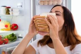 Cómo comer menos:  Razones por las que comemos de más y cómo evitarlo