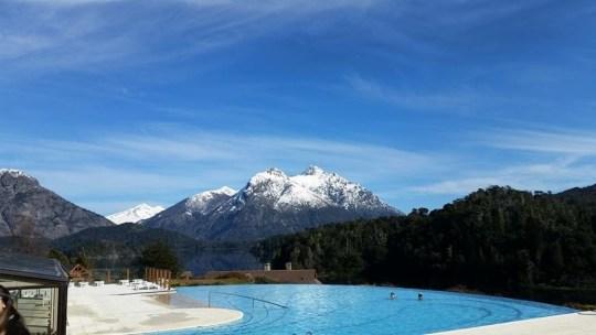 Vista da área externa da piscina, Llao Llao