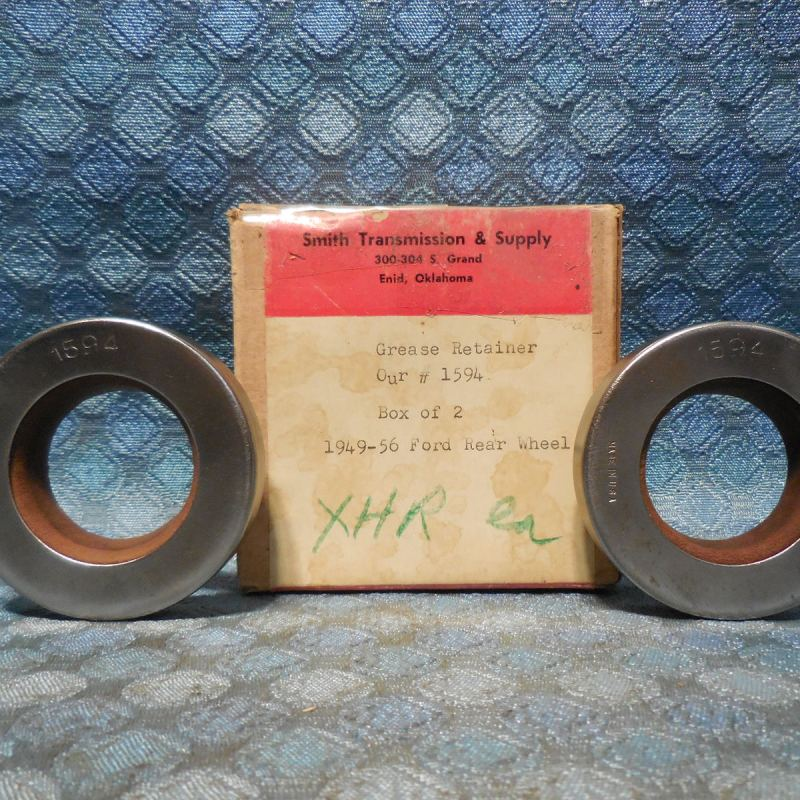 1949-1956 Ford Passenger NORS Pair of Rear Wheel Seals 50 51 52 53 54 55
