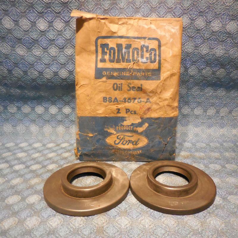 1958 Ford Pass & Thunderbird NOS Pkg of 2 Driving Pinion Oil Seals #B8A-4676-A