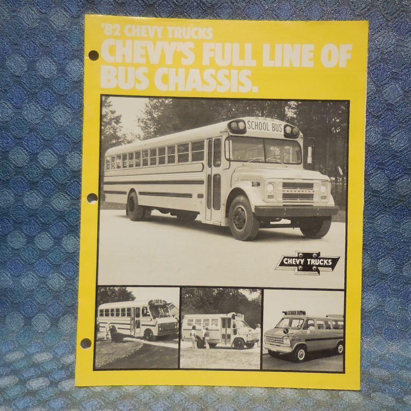 1982 Chevrolet Original Full Line Bus Chassis Sales Catalog Van School