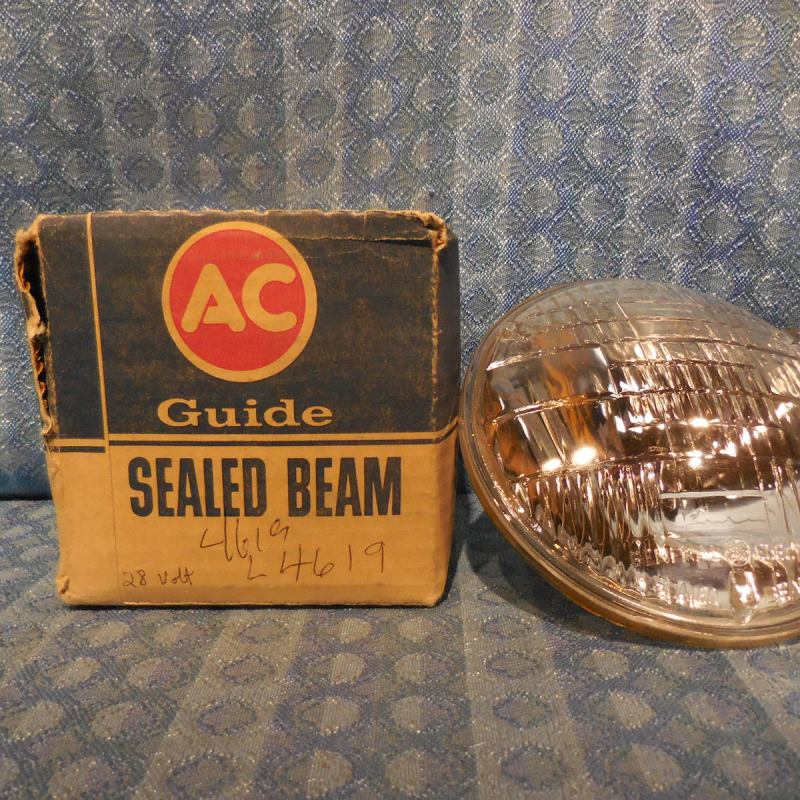 New AC Guide #4619 Sealed Beam Military Light Bulb 28 Volt 2 prong