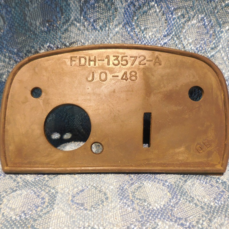 1955 Ford Station Wagon, Sdn Del NOS License Plate Lamp Mounting Pad B5A-13572-B