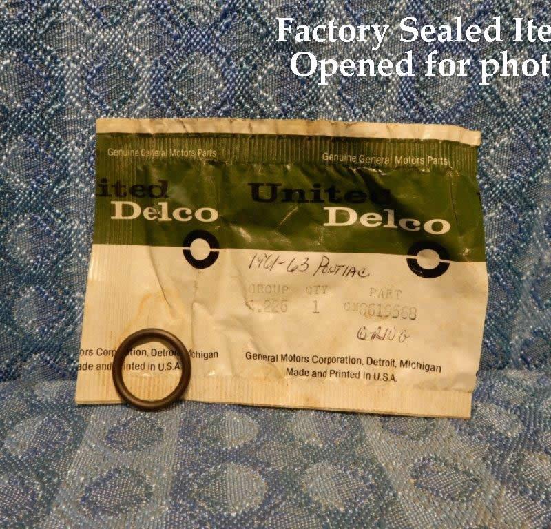 1961-1963 Pontiac NOS Hydra-Matic Coupling Valve Plug Seal 1962 #8619568
