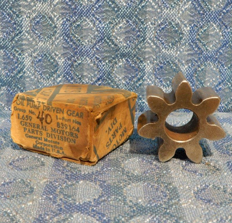 1940 1941 1942 Chevrolet NOS GM Oil Pump Driven Gear #839164