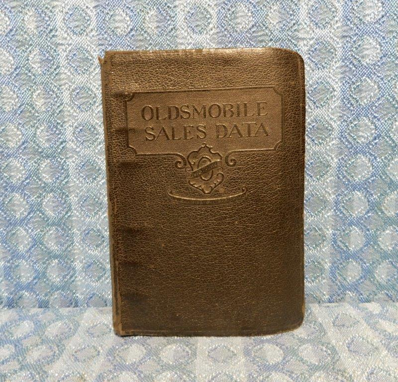 "Circa 1925 ""Oldsmobile is a Good Car"" Original Sales Data Book - Binder only"