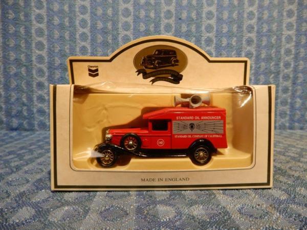 Lledo Chevron Commemorative Model Standard Oil Announcer Van 1:64 Scale