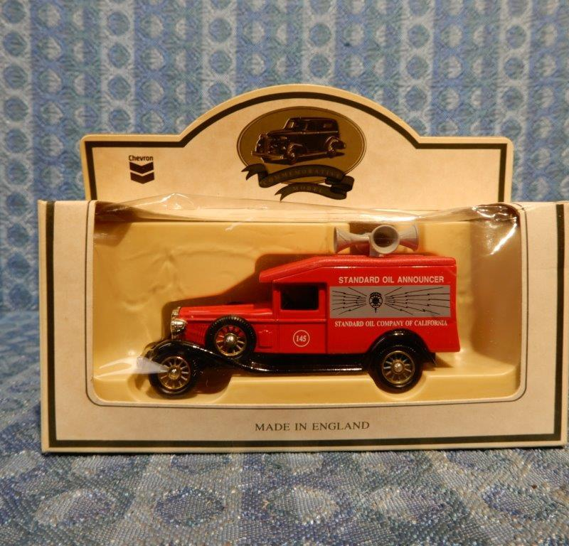 Lledo Chevron Commemorative Model Standard Oil Announcer Van 1:64 Scale