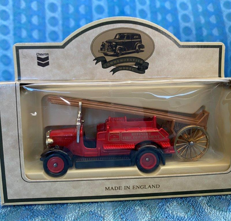 Chevron Commemorative Die Cast Metal Replica 1934 Dennis Fire Engine NIB