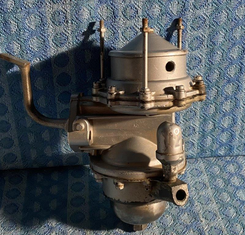 1941-1948 Oldsmobile 6 Cylinder NORS Fuel / Vacuum Pump 1942 1946 1947 #536