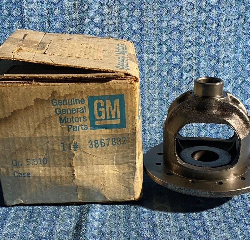 1954-1963 Chevrolet 1/2 Ton NOS GM Differential Case #3867832 SEE AD 56 58 60 62