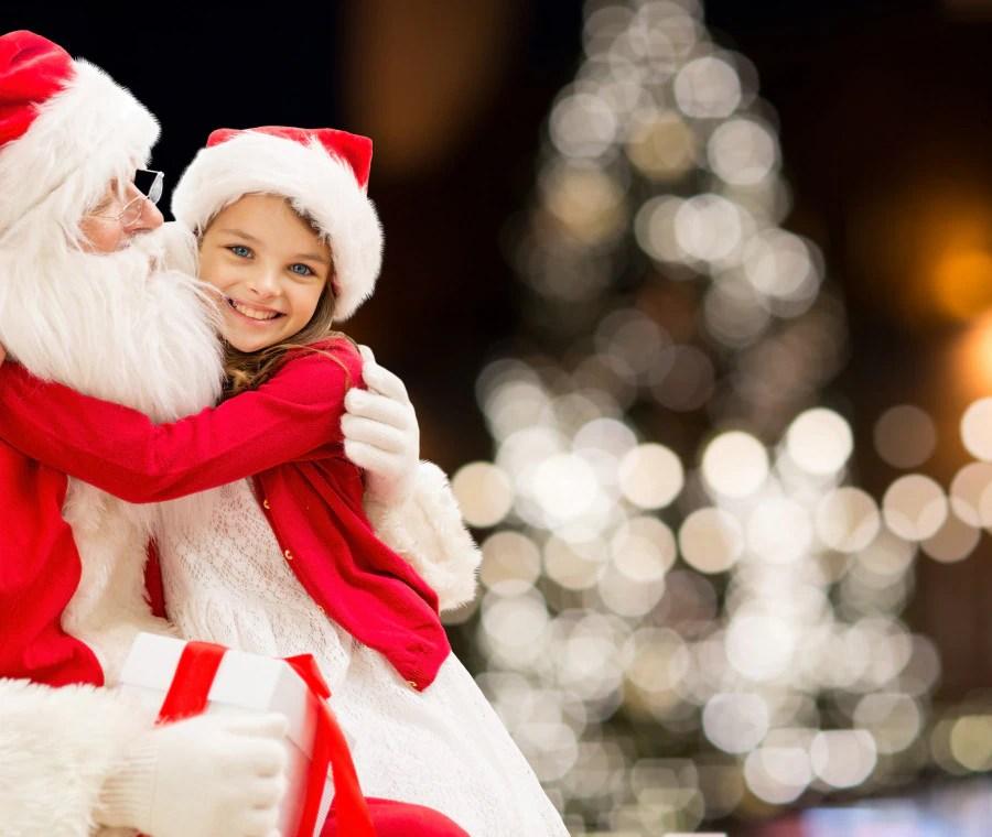 Cosa c'è di più tenero e commovente di un bambino sotto l'albero di natale, o travestito da babbo natale? Il Valore Di Babbo Natale Per I Bambini Nostrofiglio It