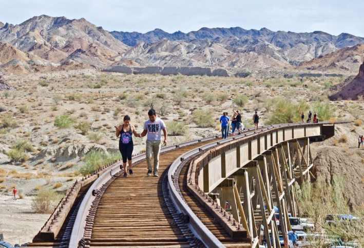 walking-abandonded-bridge