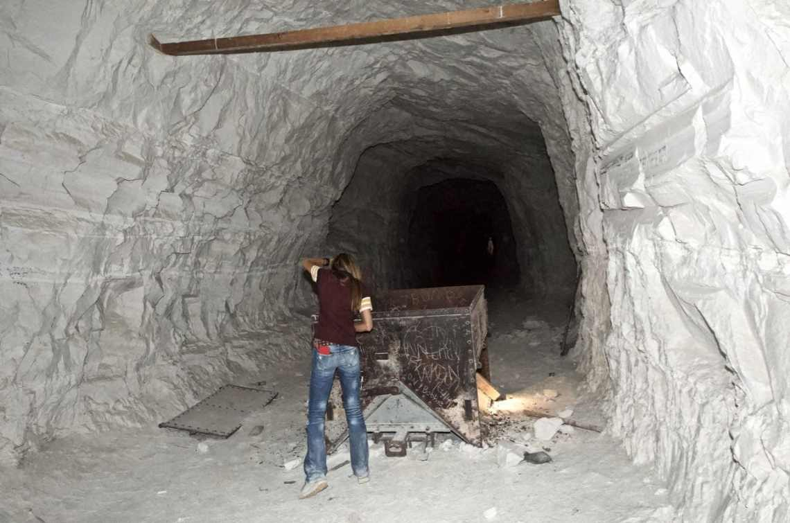 The connecting tunnel at the bottom of the Old Dutch Cleanser Mine