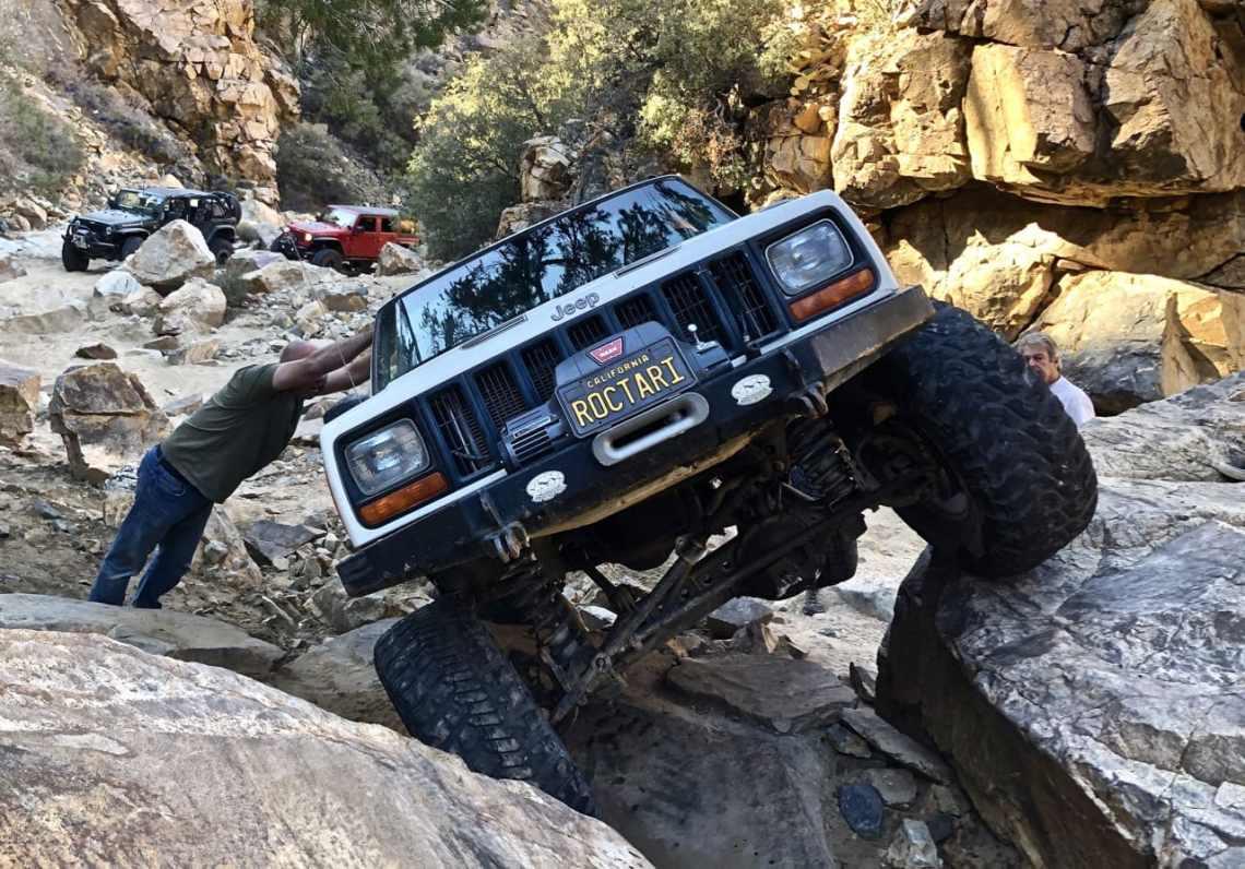 Jeep Cherokee off-roading at Mottino Wash
