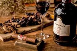 「Tableaux Lounge」オープン20周年を記念とした『ボトルワイン12種類半額キャンペーン』を3月19日から開催