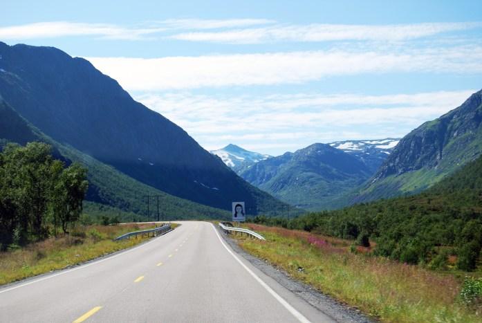 Carretera en las islas Lofoten, Noruega